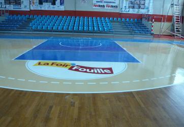 Traçage de zones de Basket-ball et logos sponsors