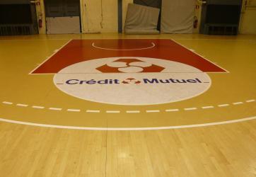 Mise en peinture des raquettes de Basket Ball